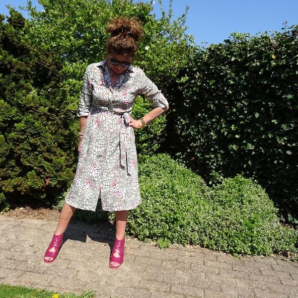 Top of the World OOTD My Fav Nancy Baten in a pruple gray print shirt dress